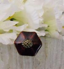 anillo ajustable bronce grande esmalte rojo burdeos forma geometrica punk gotico