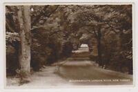 Hampshire postcard - Bournemouth London Road, Lyndhurst - RP - P/U (A694)