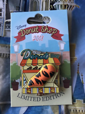 Tigger Disney Donut Shop Pin Le 3000 Parks Pin Of The Month 2018 September Pooh