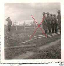 17568/ 2 Originalfoto 6x6cm, Soldatenbegränbnis, Friedhof Russland 1941