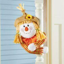 Fille Scarecrow avec Qui Garde la Pose Bras Halloween Porche Hugger Bannière