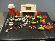 vintage 1967 1968 fisher price farm 915 w/ grain silo and lot of extra parts SEE