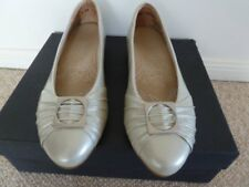 KUMFS SHOES Leather Silver Front Buckle Size 7