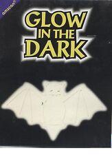 1 découpe à suspendre silhouette chauve-souris phosphorescente halloween glow