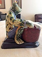 VINTAGE MAJOLICA STYLE ART POTTERY FROG WITH BASKET