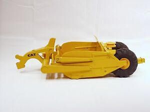Caterpillar 428 Scraper - 1/24 - Eska Ertl  - Repaint - No Box