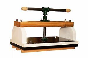 Nipping press ,photobook press, book press
