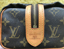 RARE- AUTHENTIC Louis Vuitton LV Monogram Travel TOILETRY bag Great condition