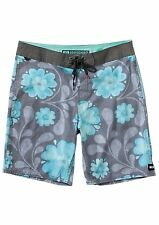 NWT MENS REEF SANDALS FIELDS BOARDSHORTS $60 32 Swim shorts floral design black