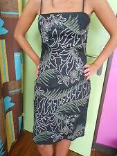 A VOIR jolie robe noire esprit  perlé floral FRENCH CONNECTION T 38