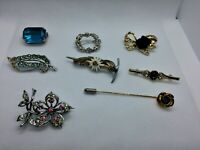 Job lot of 9 Vintage brooches N3