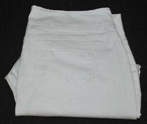 BeMe plus size pull on elastic waist cropped pants Size 18
