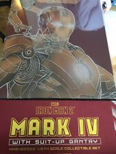 Hot Toys MMS462D22 Iron Man 2 Mark 4 IV Diecast Gantry Suit Up