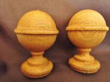 paire d'anciennes toupies /boules d'escalier /déco -lit- armoire- bois tourné