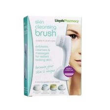 Lloyds Pharmacy Skin Cleaning Brush .