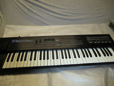 ROLAND D 20 SYNTHESIZER