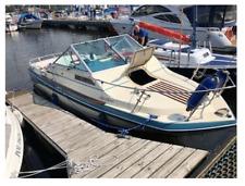 Cabine Motorboot GLASTRON Bal Halbor V-225 190 KW + Anhänger