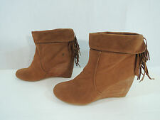 NWOB Sugar Holiday Tan Brown Fringe Wedge Heel Ankle Boot Boots Women's 9.5M
