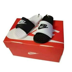 Nike Sliders Keyring 3D With Shoe Box
