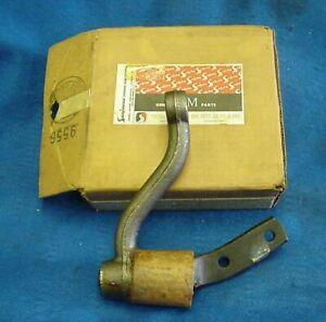 NOS 1961 61 1962 62 OLDS SAGINAW STEERING IDLER ARM ASSY. GM 5674473 OLDSMOBILE