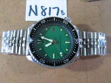 Vintage  SEIKO DIVER 7002-7000 Green Dial Automatic w Band Gents RUNS As-Is
