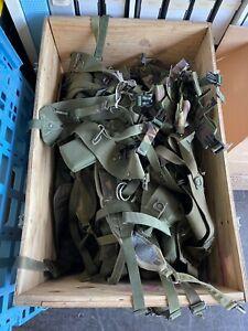 180 Stück Suspender US NATO UK BW NL etc. ANSEHEN Konvolut in Holzkiste
