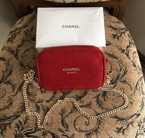 New Chanel Beaute Red Makeup Cosmetic bag Pouch W /Gold Chain Strap Crossbody