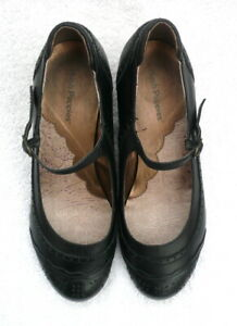 Hush Puppies Vintage Style Mary Jane Shoes Size 6