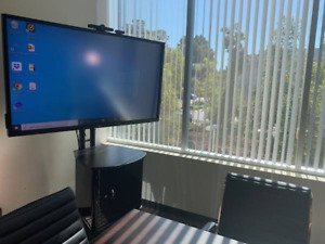 """Interactive 70""""Touch Screen Monitor"""