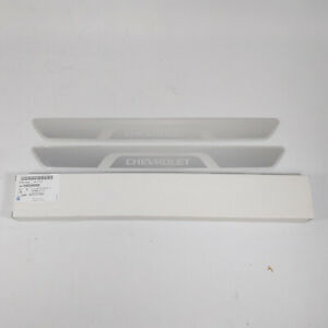 Genuine 95954000 Door Sill Plates Scuff 2Pcs 1Set For GM Chevrolet Vehicle