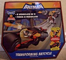 BATMAN BRAVE AND THE BOLD TRANSFORMING BATCYCLE R2578  *NEW*