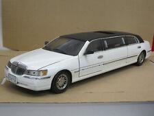 Lincoln Town Car Stretch Limousine (1999), weiß/schwarz, Sun Star, 1:18, o. OVP