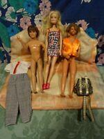 lot= 2 ken et barbie +vétement ken prince de   galle et sac besaçe