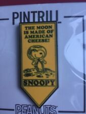 SDCC 2019 Peanuts Snoopy Astronaut Moon Cheese Yellow Pennant Pintrill Pin Comic