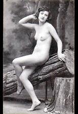"""CARTE-PHOTO-STUDIO """"NU"""" Art déco 1920-1930 / FEMME au BOIS Pause pour BUCHERON"""