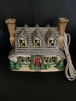 🟢1986 Geo Z Lefton Colonial Village Christmas House Handpainted #05890 Lighted