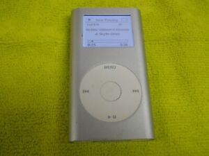 Apple iPod Classic 3rd Generation Ipod MP5002 6GB Works