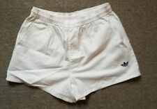 short Adidas blanc taille 44 w34