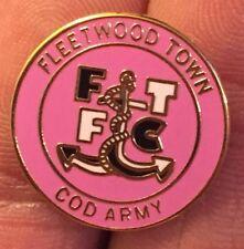 FLEETWOOD TOWN COD ARMY GIRLS PINK CREST ENAMEL PIN BADGE