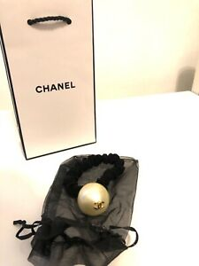 Chanel Pearl Hair Tie