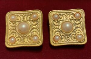 Vintage Ben- Amun Gold tone square clip earrings with faux pearls
