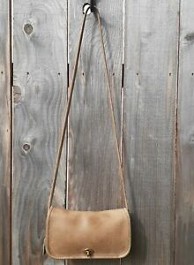 """VTG COACH MADE IN NEW YORK PUTTY LEATHER """"DINKY"""" TURN LOCK CROSSBODY STYLE 9375"""