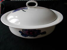 Wedgwood BLUE ANEMONE Covered Vegetable Dish. Diameter 9 3/8 inches