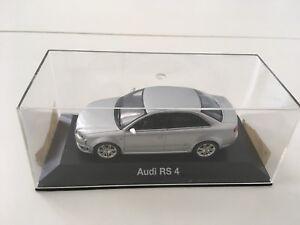 Audi RS4 B6 - 1/43 scale - Minichamps