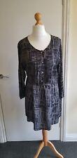 Dress 18 VIZ A VIZ black grey knee tunic abstract pattern