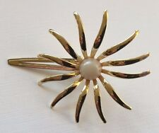 Vintage Hair Barrette - Flower shape clip barrette with plastic pearl center