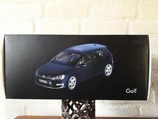 Norev 1:18 Volkswagen VW Golf VII Baujahr 2013 Nachtblau 5GA.099.302.FSF