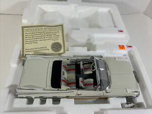 1:24 Danbury Mint 1959 PONTIAC BONNEVILLE CONVERTIBLE White Ivory NEW