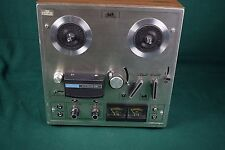 Akai 1722W reel to reel tape player / recorder