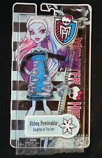 Monster High Abbey Bominable Daughter of the Yeti Fashion Pack Doll Clothing